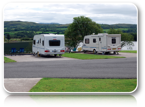 Rushin House Caravan Park - Front View Over Lake