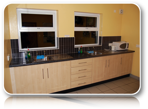 Rushin House Caravan Park - Kitchen